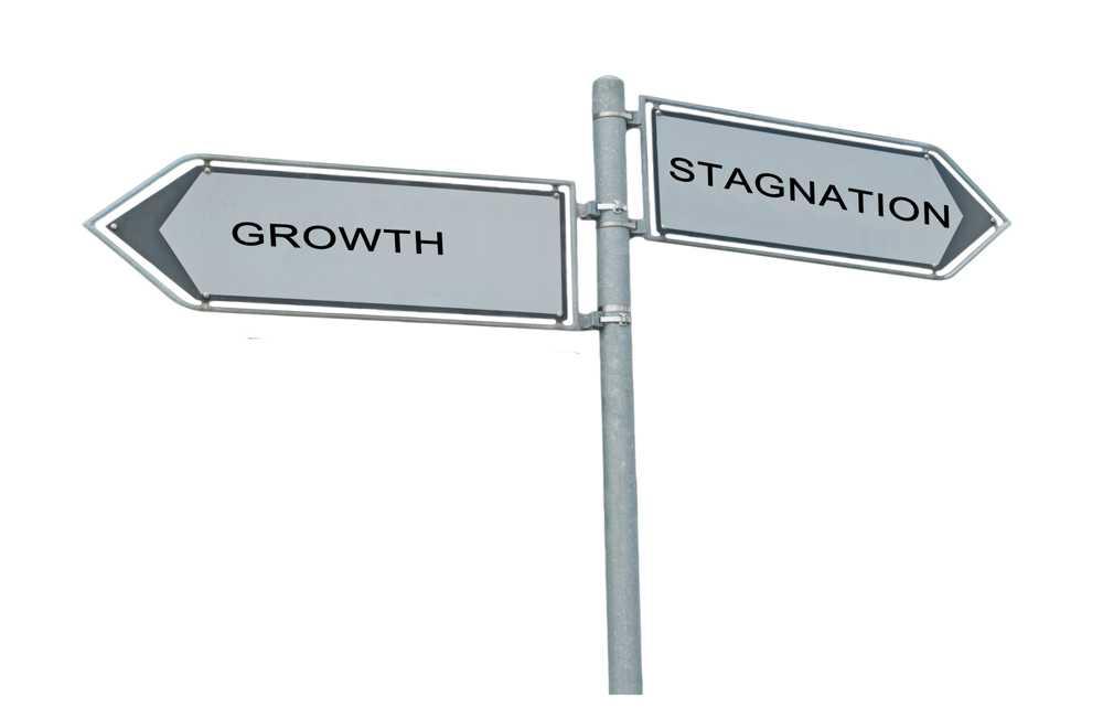 growth-stagnation-crossroad_03202015