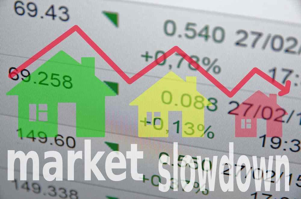 housing-market-stall